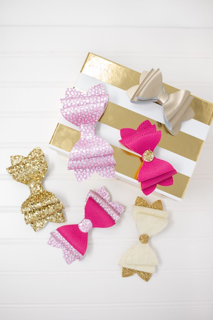 Create adorable custom hair bows with this FREE SVG file and Printable PDF. Use your Cricut machine or cut them by