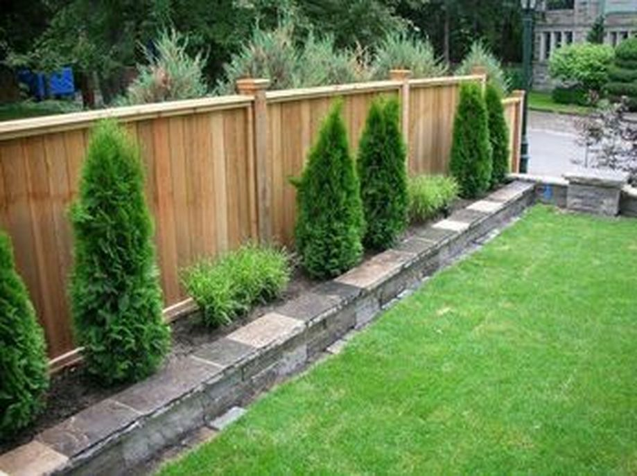 Stunning Privacy Fence Line Landscaping Ideas 7 Small Backyard Landscaping Small Garden Fence Backyard Fences