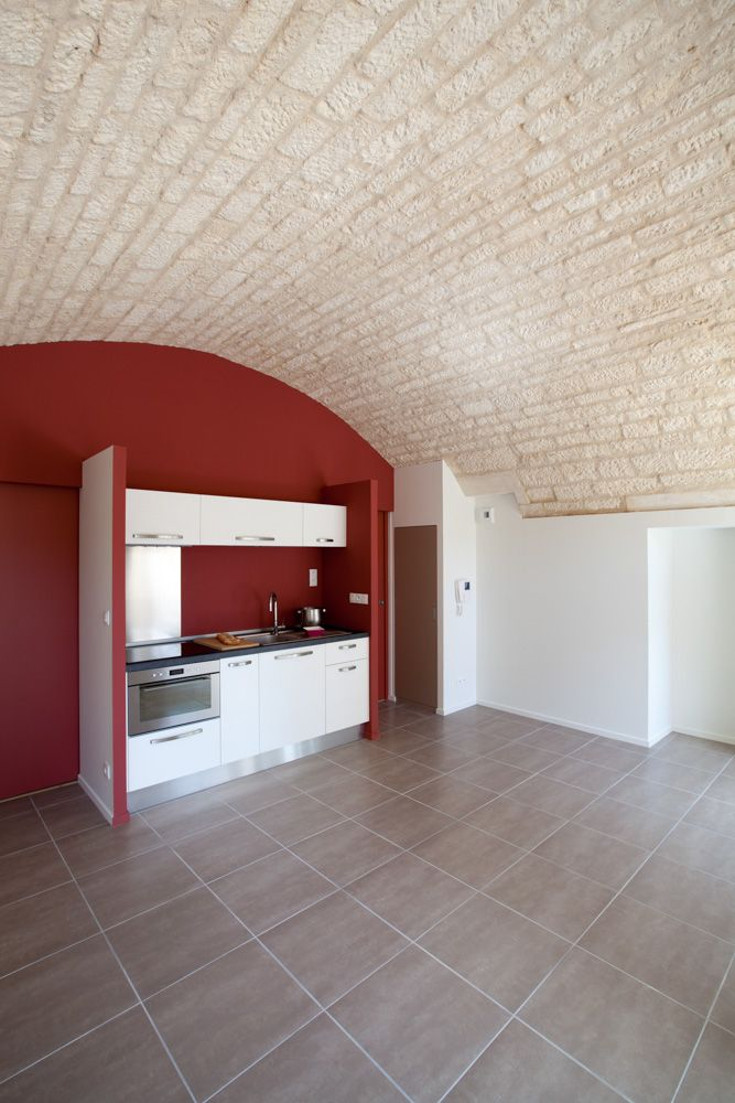 Photo Studio Grand Ouest Cuisine Contemporaine Dans Piece Voutee En Pierres Brutes Decapees Renovation Cuisine Contemporaine Studio Photographie Publicitaire