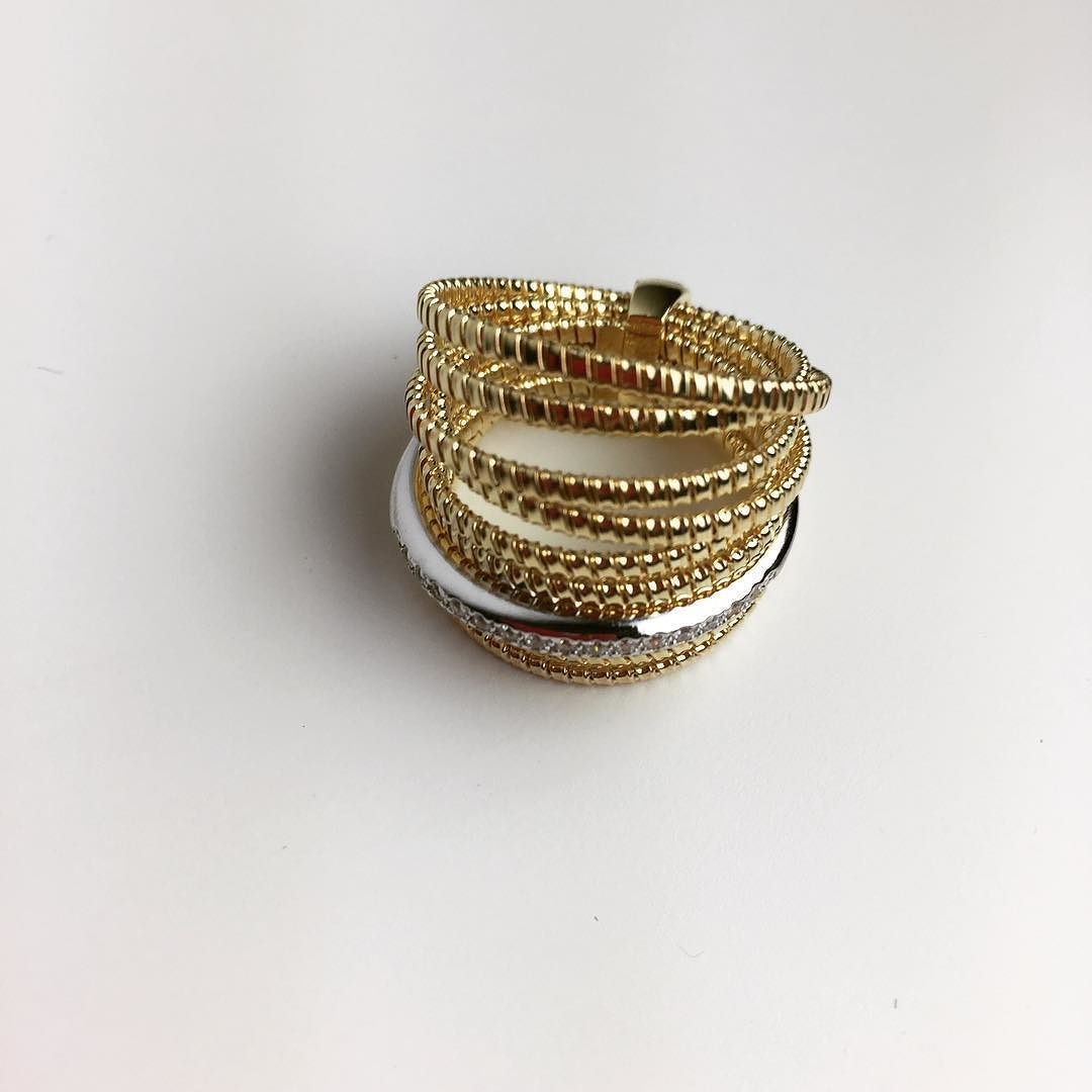 2302c82cb33e Súper anillo para un súper sábado  tubogas  platabañadaenoro  anillos  joyas   diseño  complementos  regalos  navidad2016  comprasonline  gouconcept