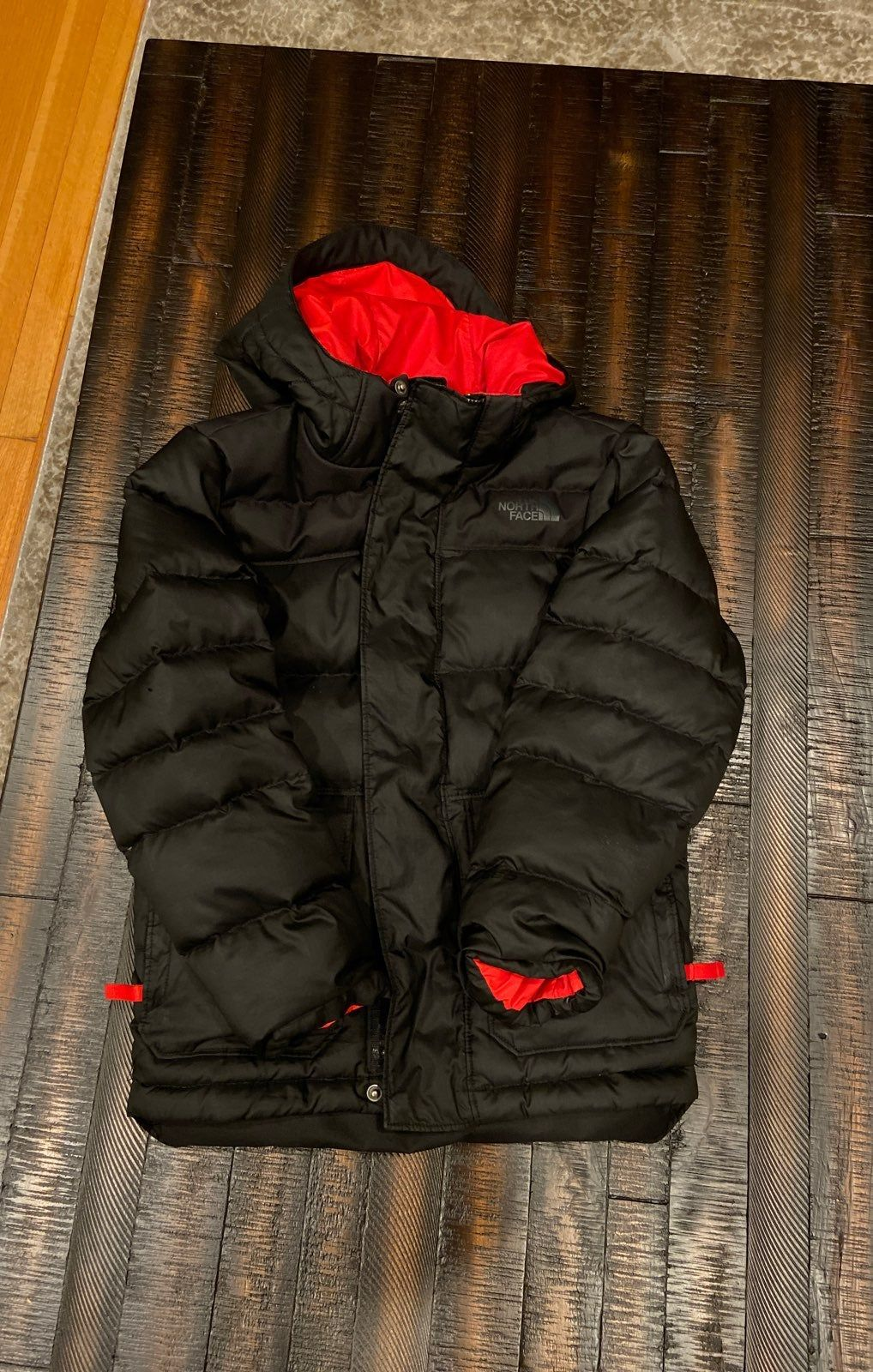 Black Puffer North Face Jacket Red Inside And Attached Hood Small 7 8 North Face Coat Black Puffer The North Face [ 1600 x 1018 Pixel ]