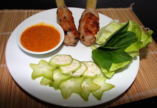 Ngày mát trời đổi vị với chạo tôm nướng  Chi tiết tại: http://ngonplus.net/vao-bep/nau-ngon/2527-ngay-mat-troi-doi-vi-voi-chao-tom-nuong