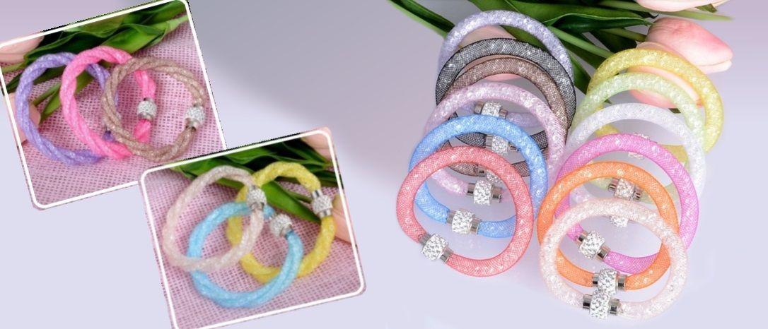 Obľúbené ligotavé náramky s krištálikmi a magnetickým zapínaním v rôznych farbách a prevedeniach.
