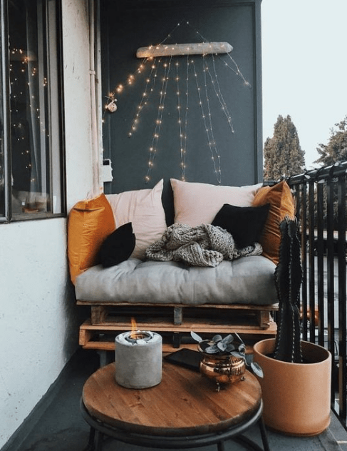 20+ Simple And Beautifull Balcony Decoration Ideas