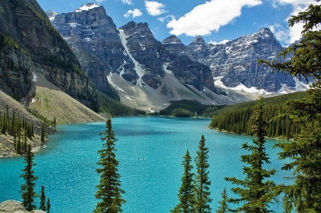 canadian rockies at moriane lake