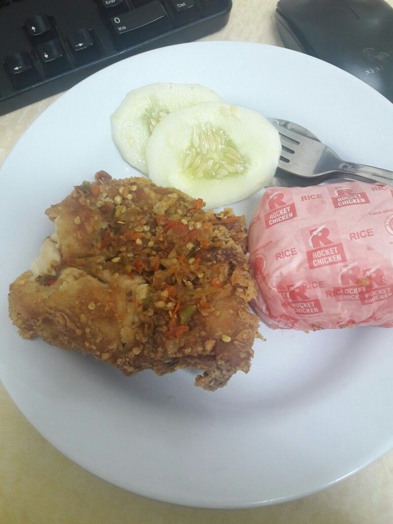 Ayam Geprek Rocket Chicken Level 4 Makanan