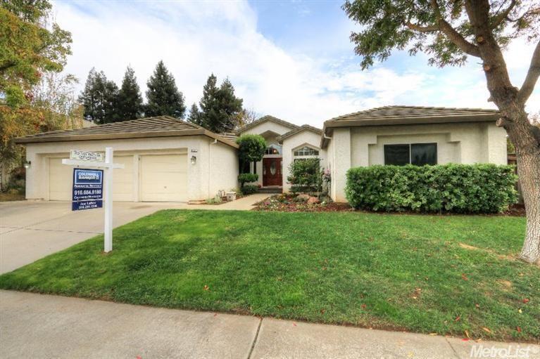 9037 North Camden Dr, Elk Grove, CA 95624 — Desirable