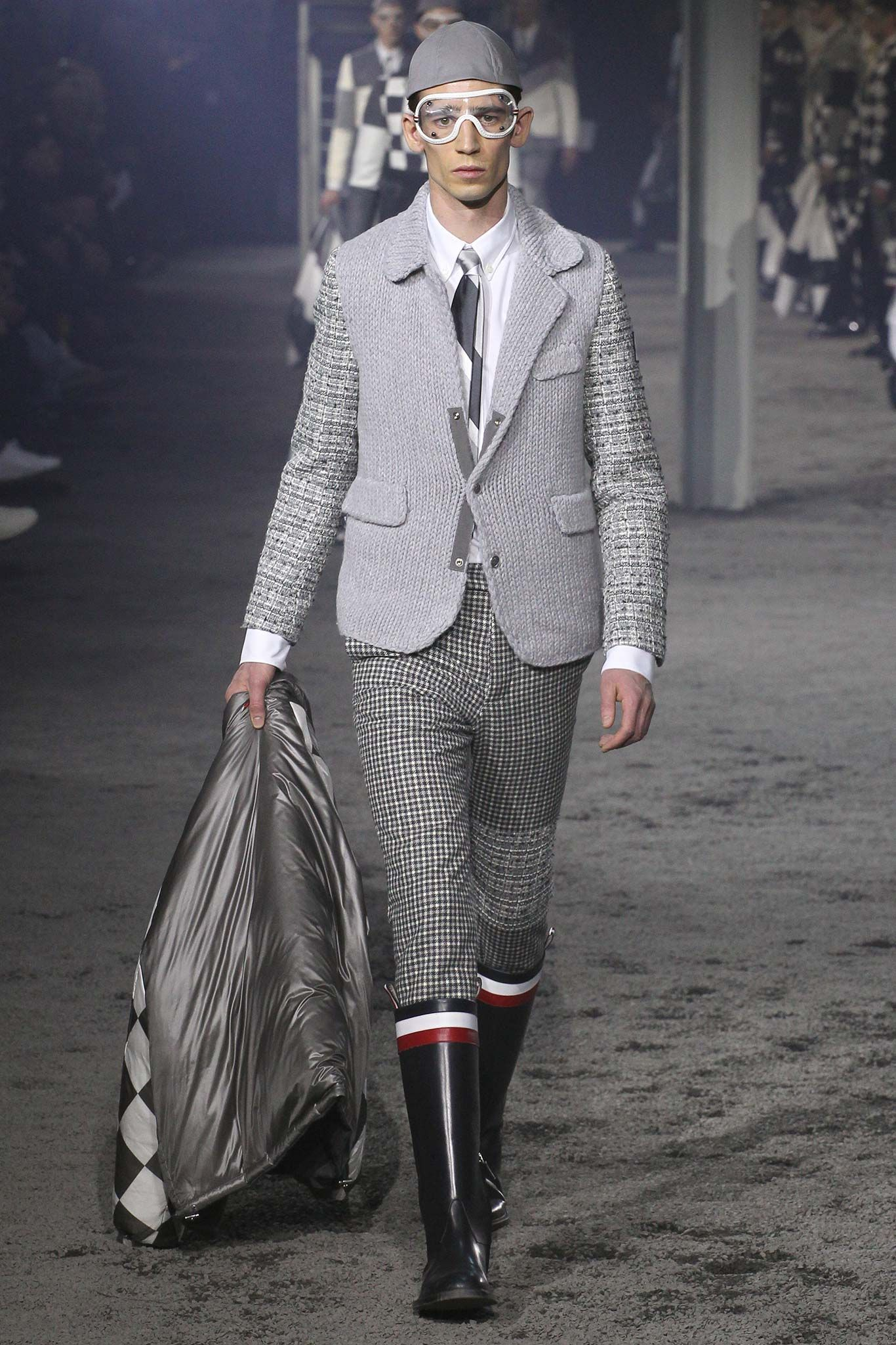96800f89d Moncler Gamme Bleu Fall 2015 Menswear - Collection - Gallery - Style ...