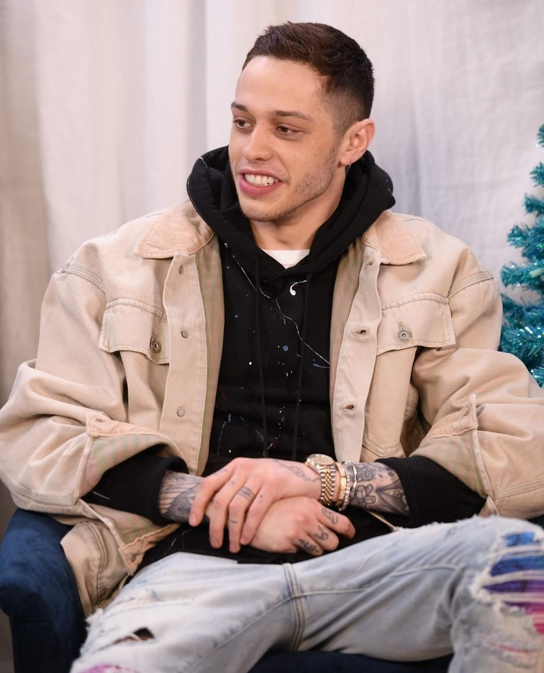 Pete Davidson Kicks F Ckface Heckler Out Of A Gig After A Mac