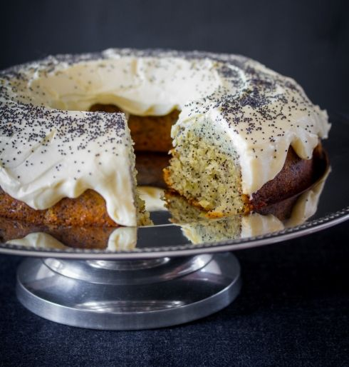 Lemon poppy seed cake by The Food Fox
