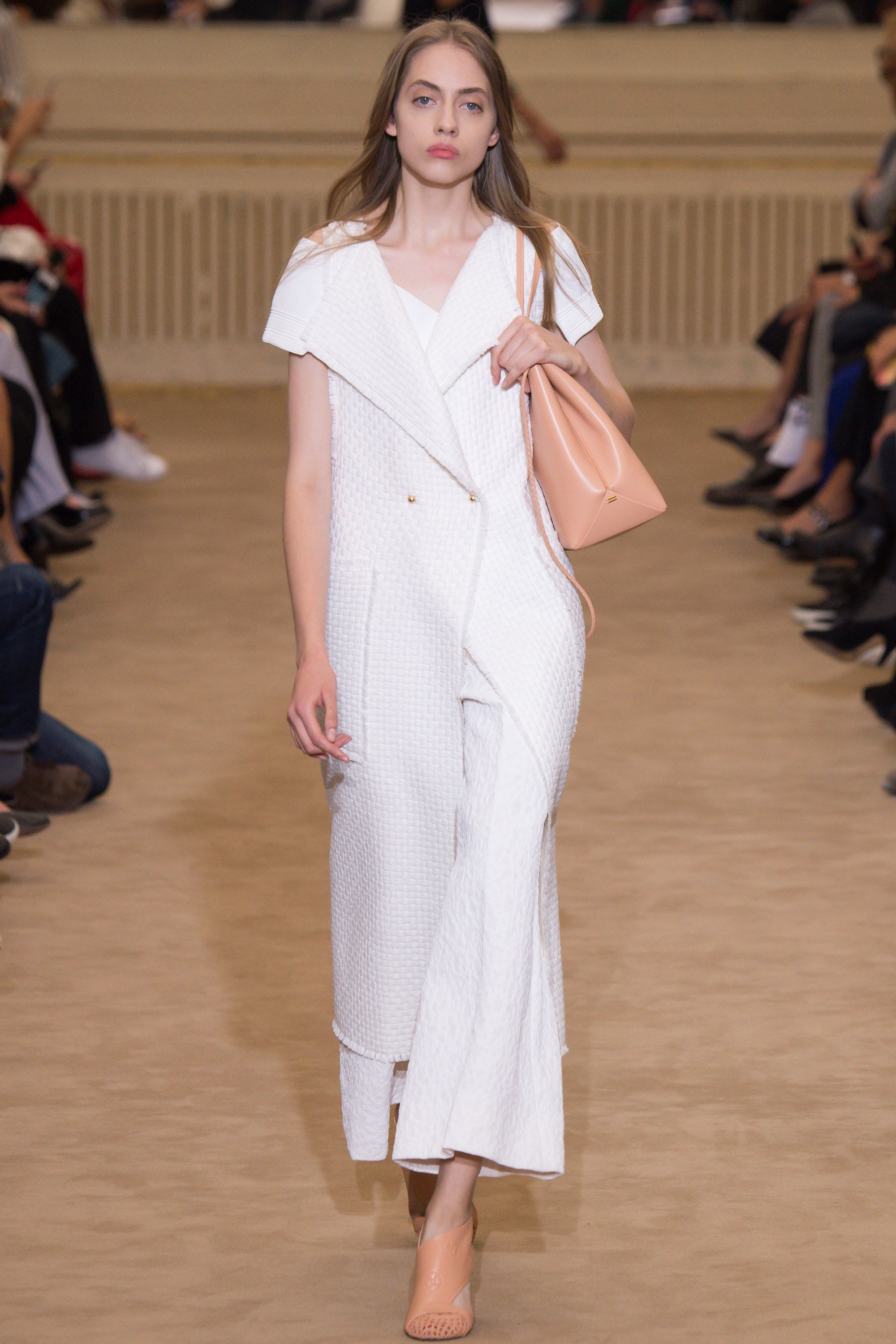 Roland Mouret Spring 2016 Ready-to-Wear Fashion Show - Odette Pavlova (Next)
