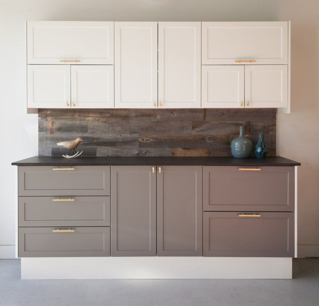 The two toned kitchen cabinet trend is