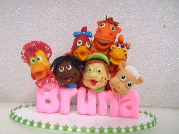 topo de bolo cocoricó , personalizado com o nome da criança, as cores das letras podem ser mudadas . R$ 35,00