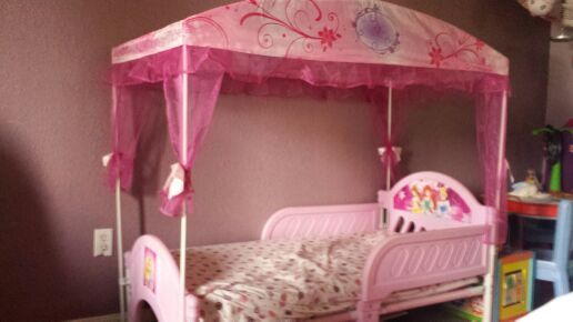 Canopy Princess Toddler Bed For Sale In Pomona Ca Offerup Toddler Beds For Sale Princess Toddler Bed Toddler Bed
