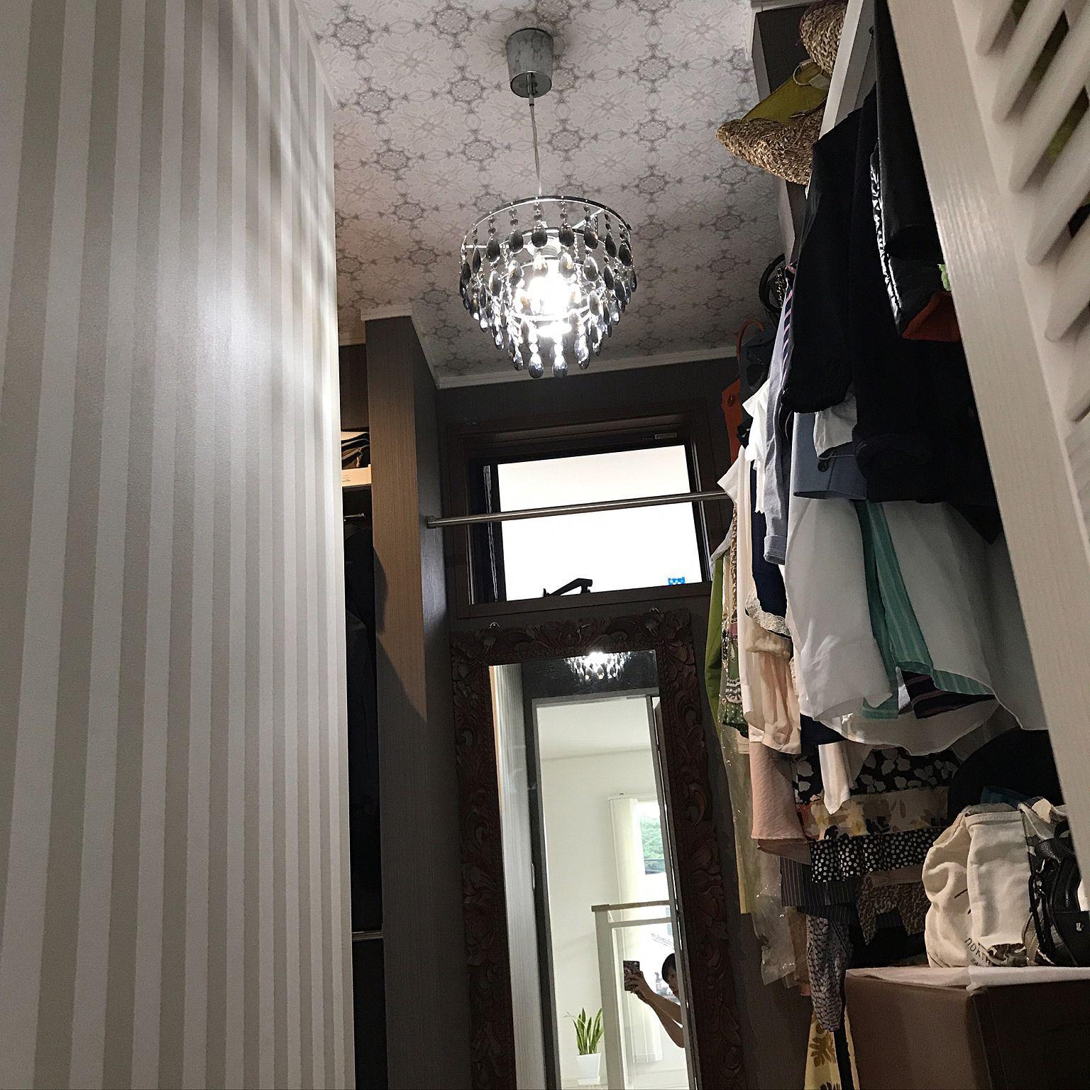 b4cdcf199d6 レースの壁紙/ストライプの壁紙/壁紙/シャンデリア/ウォークインクローゼット/照明のインテリア実例 - 2017-08-14 22:09:27 |  RoomClip (ルームクリップ)