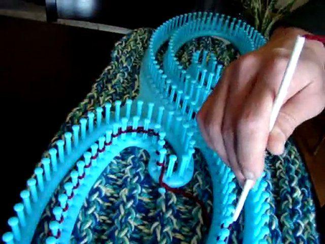 How To Loom Knit Using Serenity S Loom Yarn Pinterest Serenity