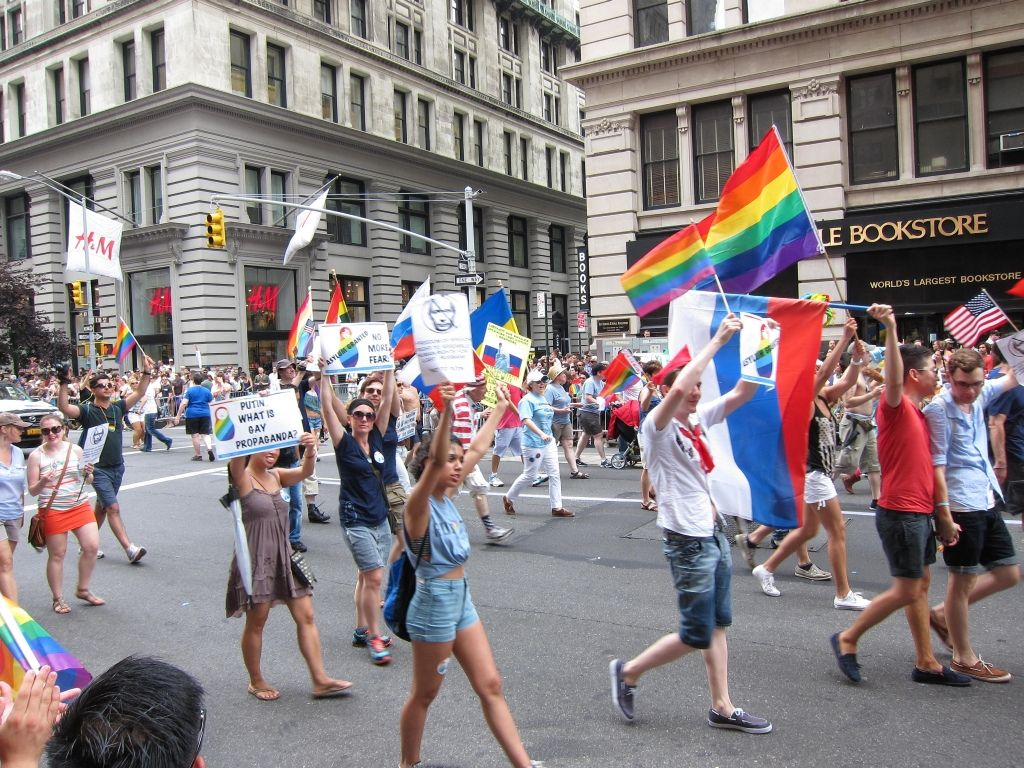 Should the EU boycott the 2014 Winter Olympics in Russia?  #Europe #Russia #LGBT #discrimination #olympicgames #sochi2014