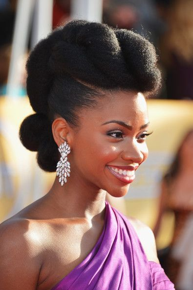 So Beautiful Actress Teyonah Parris Rocks A Fierce Pompadour Updo On The Sag Red Carpet Natural Hair Styles Beautiful Natural Hair Black Natural Hairstyles