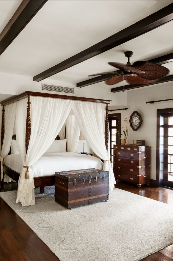 Colonial Style Martine Haddouche British Colonial Bedrooms - Schlafzimmer im kolonialstil