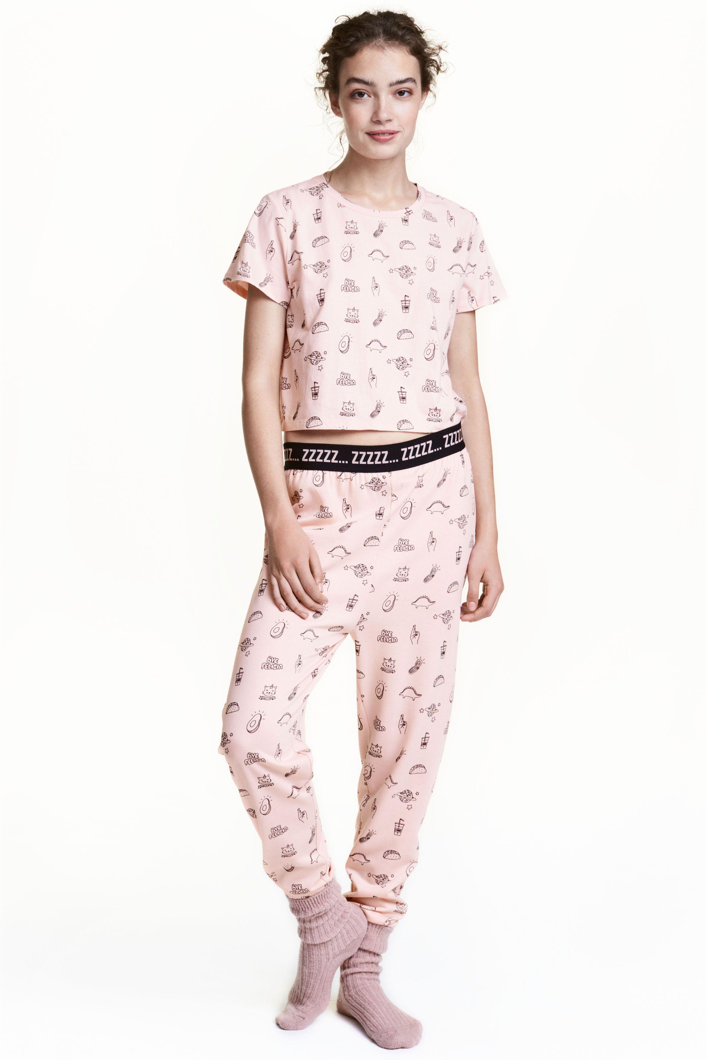 1849386c3eb9fec34fb81b4500396fe0 - Dames Pyjama Met Korte Broek