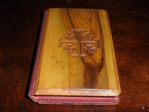 antigo missal em madeira- década 50