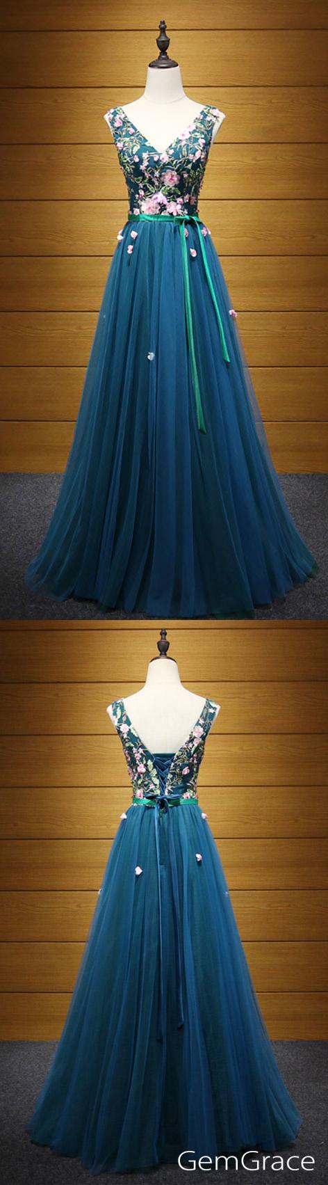 Exquisite aline vneck floorlength tulle prom dress with