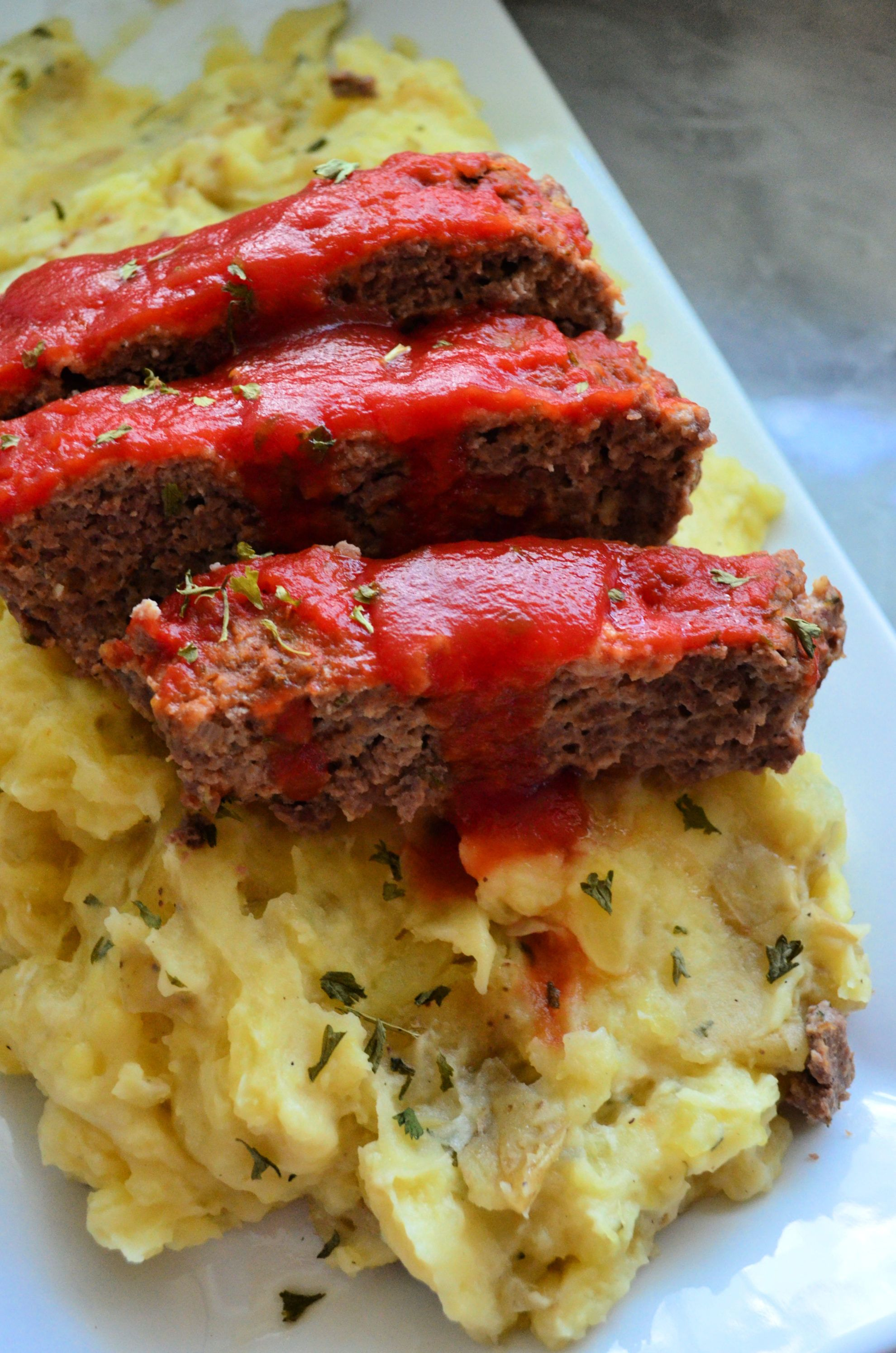 Instant Pot Meatloaf with Garlic Mashed Potatoes - Katie's Cucina #instantpotmashedpotatoes