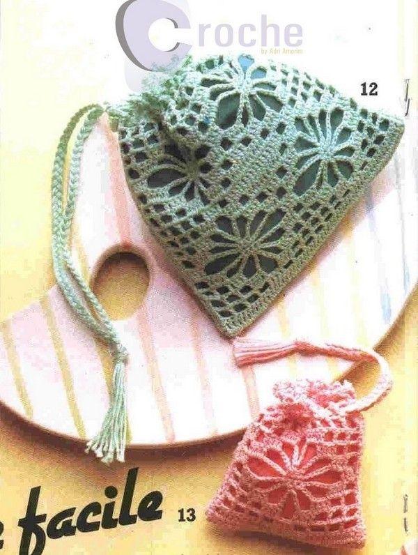 sachets senteur et leurs grilles gratuites fleurs et applications au crochet crochet