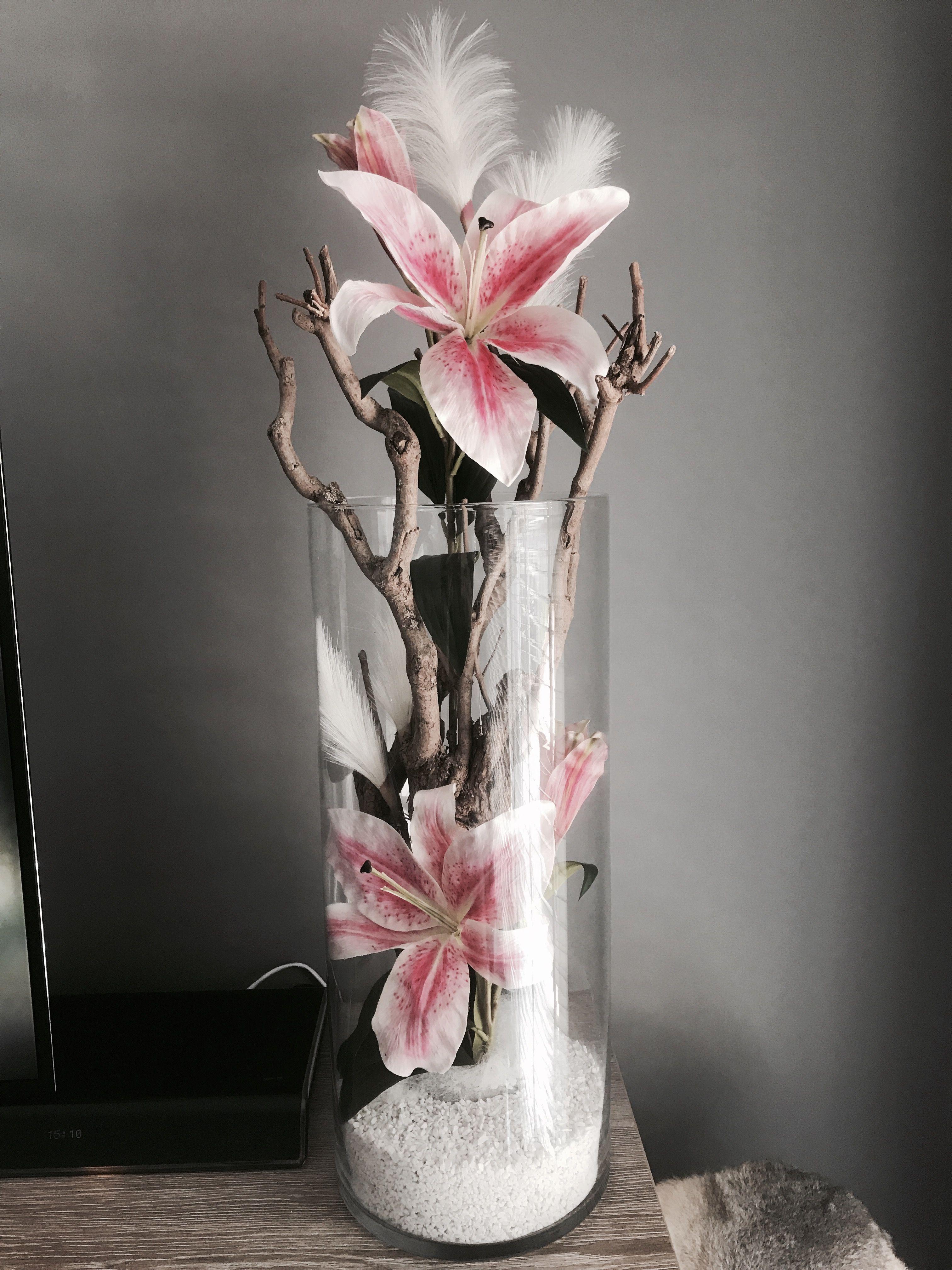 Plant in vaas, takken en bloemen! @bloemenjungle @nederland #bodenvasedekorieren