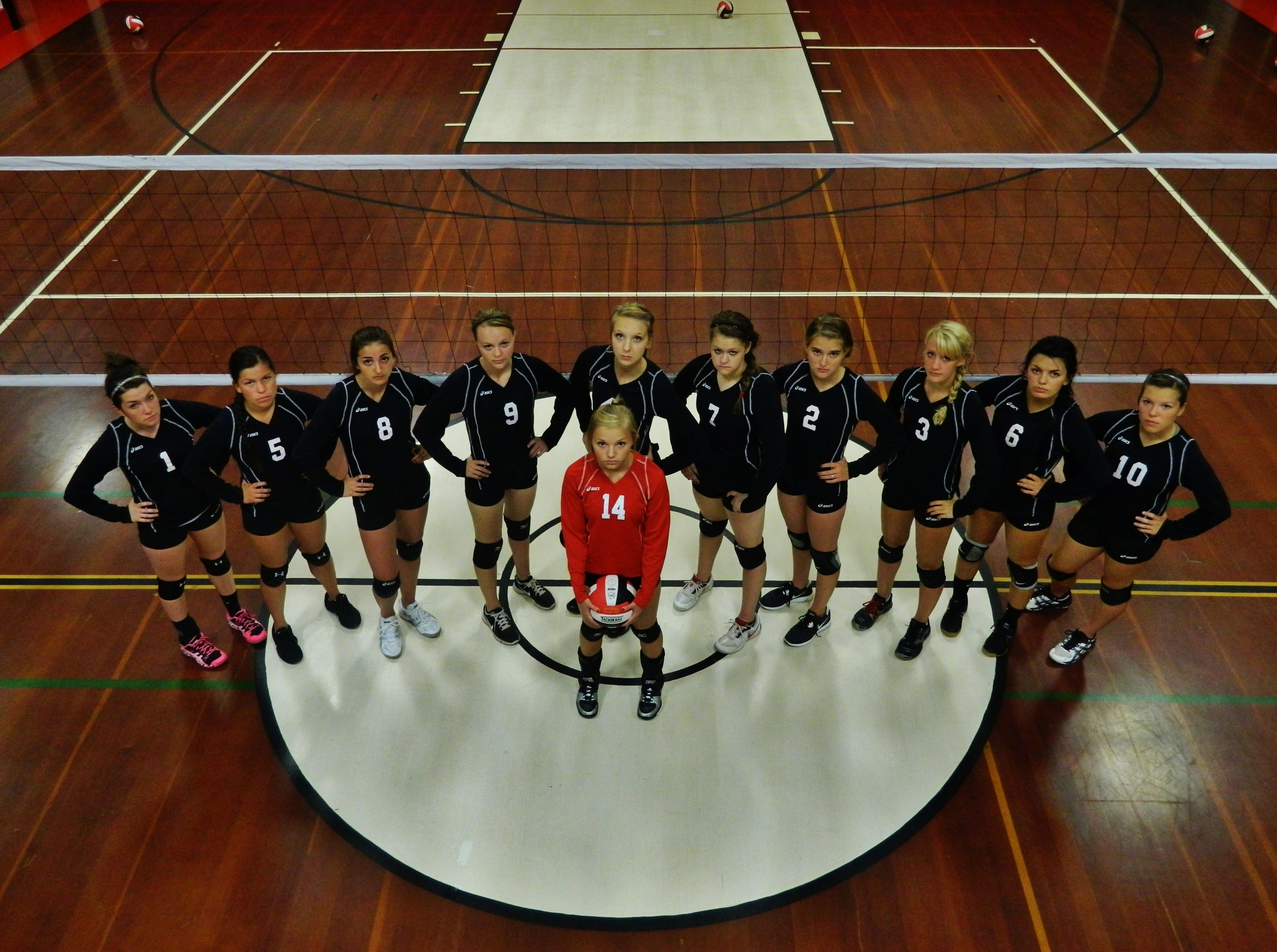Volleyball Team Picture Pose Ideas Volleyball Team Photos Volleyball Pictures Volleyball Team Pictures