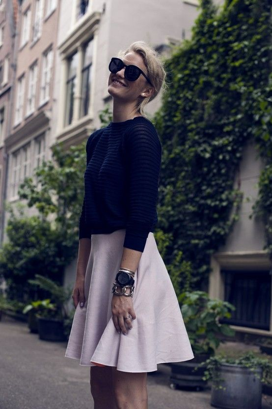 This is too cute. Love the skirt! #fashion #style #women #chic #simple