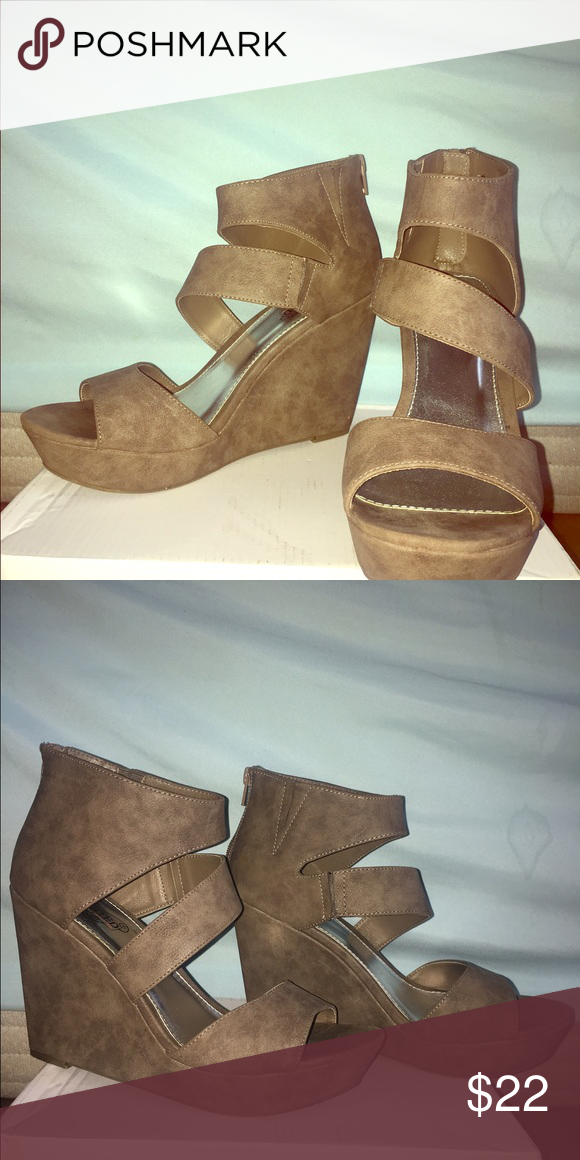"""Nude wedge by Unlisted (A Kenneth Cole Production) Only worn to 2 weddings and are surprisingly comfortable to dance in. The heel height is 4"""". No exterior marks. Unlisted Shoes Wedges"""
