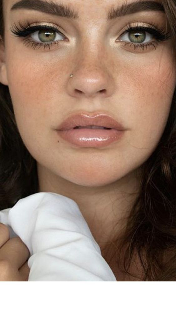 Beautiful Neutral Makeup Ideas For The Prom Party, If you're going to place