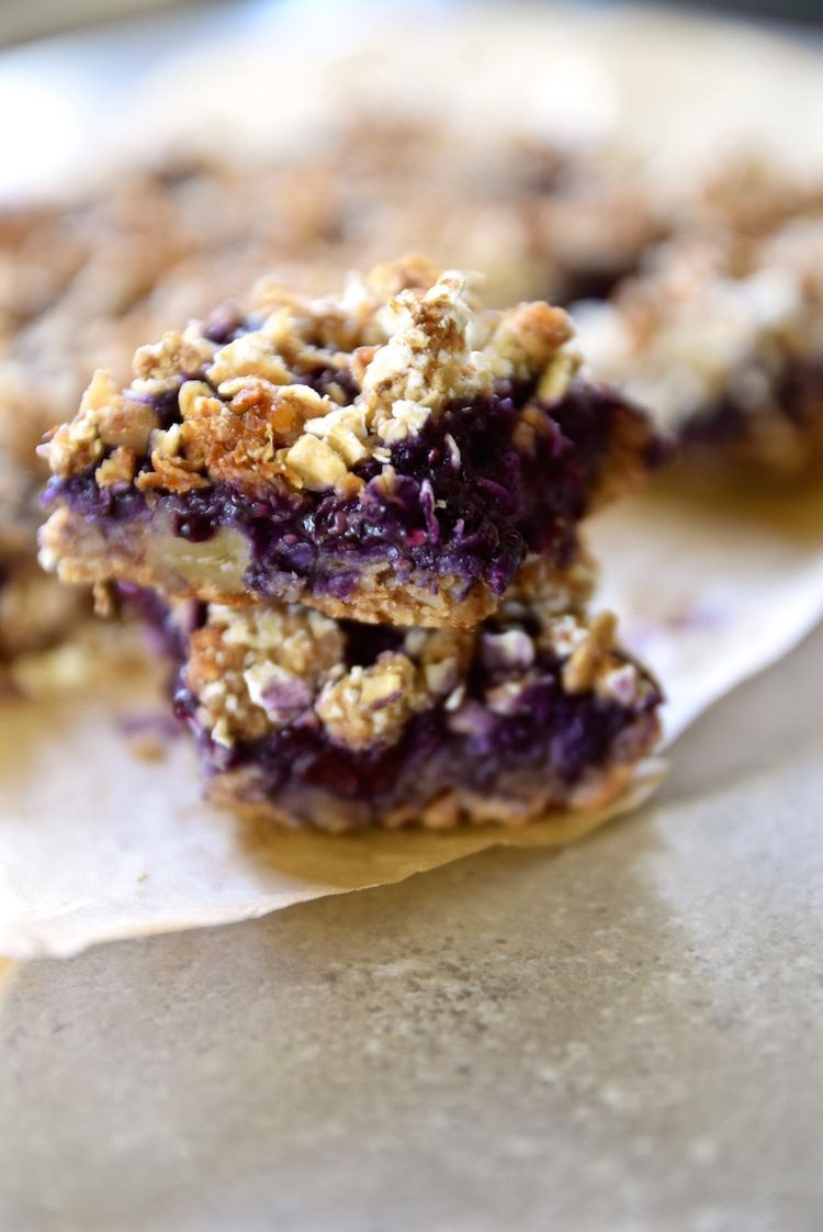Blueberry Chia Seed Jam Oat Bars - gluten free and vegan | TastingPage.com