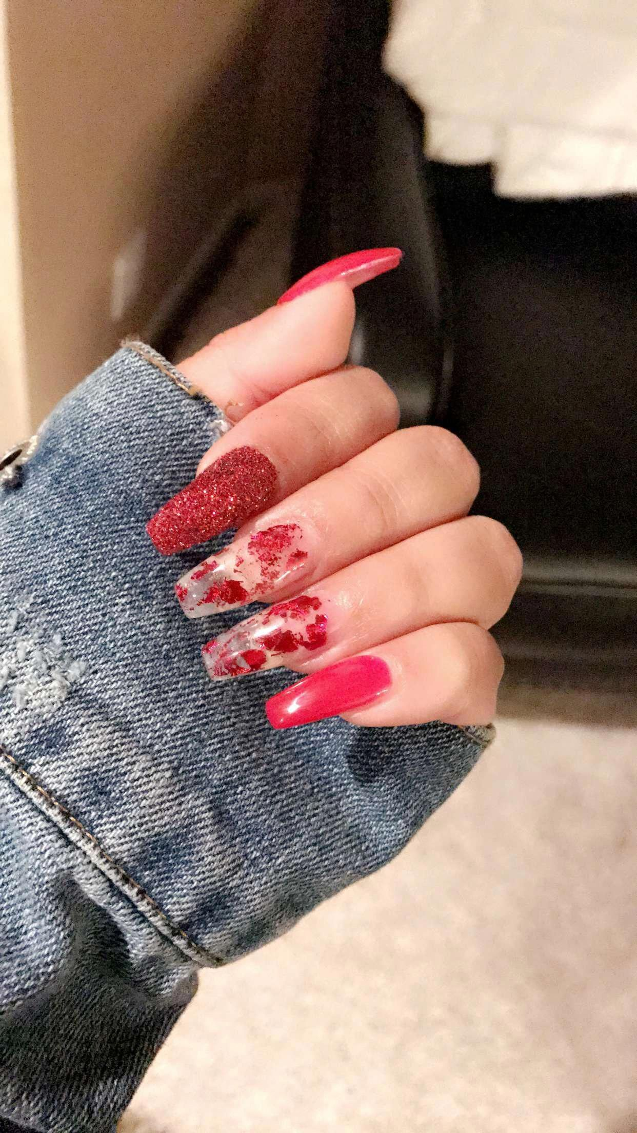 Red Acrylic Nails With Foil And Loose Glitter Ig Danyellpitts Beautifulacrylicnails Foil Nails Valentines Nails Red Acrylic Nails