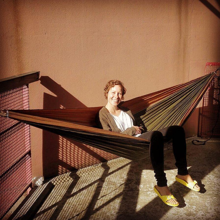 No nyt! #parvekebileet #hammock #hammocklife #riippumatto #riippukesä #kokokesäriippumatossa by @tanjzana