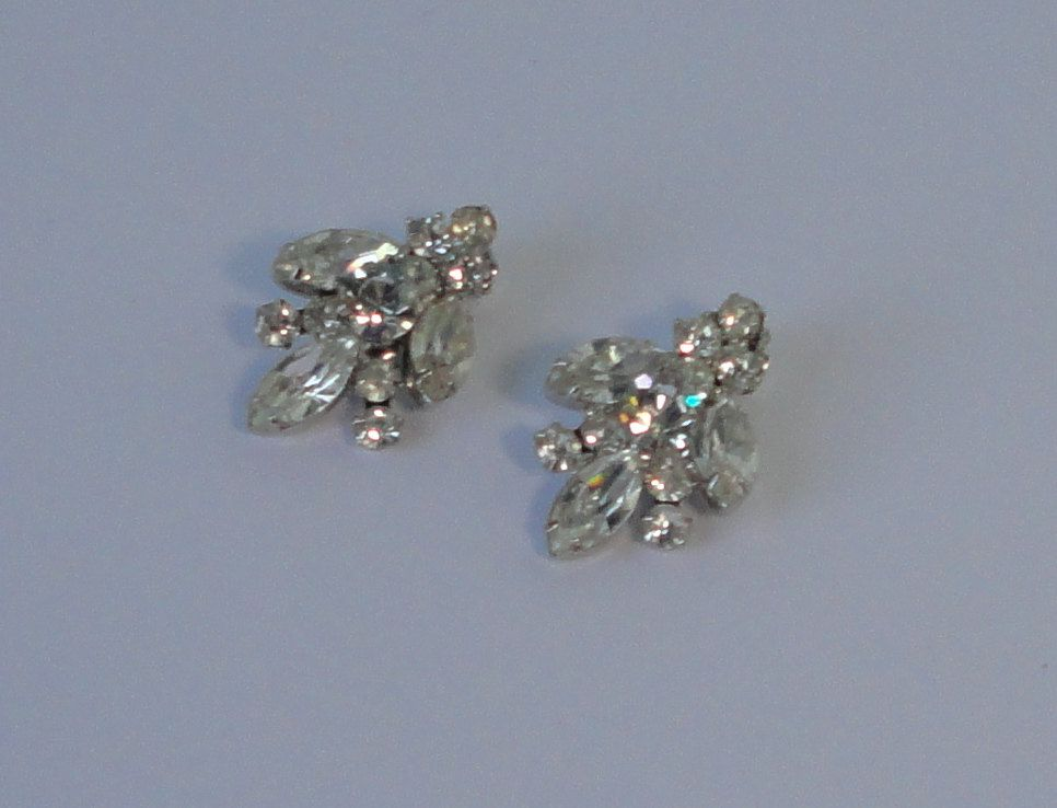 Vintage Silver tone with crystal Navettes and Chatons  Earrings. by Cosasraras on Etsy