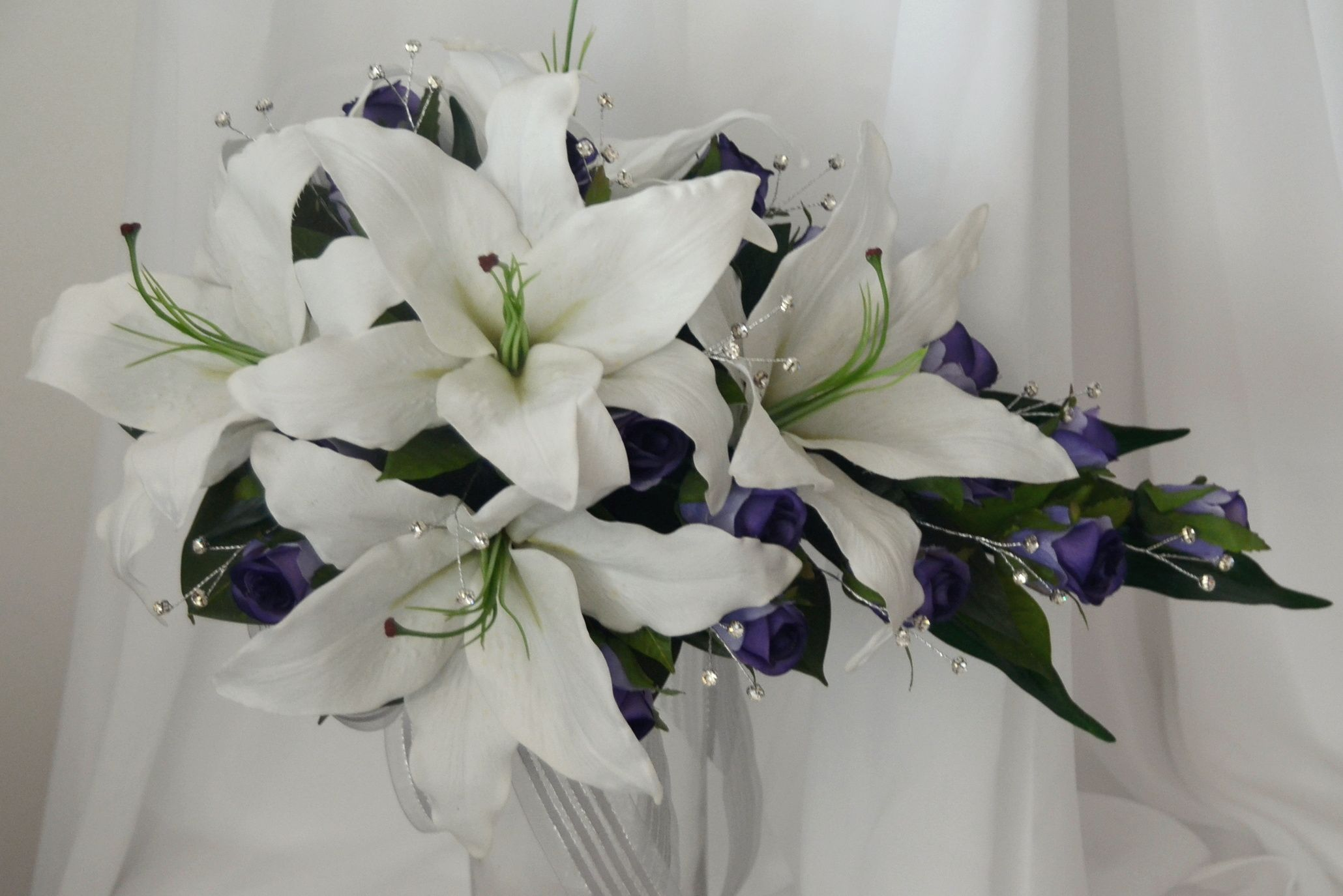 Latex Lily Teradrop Latex Wedding Bouquets Pinterest Latex And