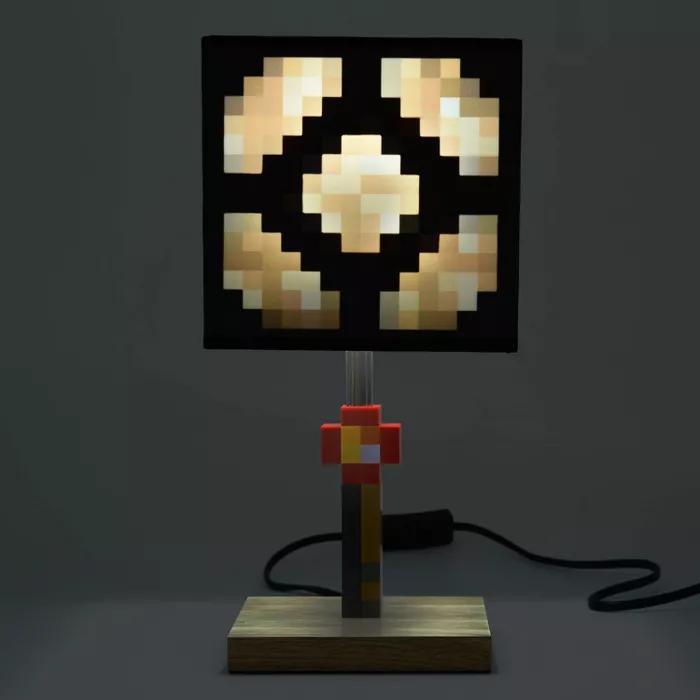 Minecraft Glowstone Table Lamp In 2020 Minecraft Room Decor Video Game Room Decor Minecraft Room