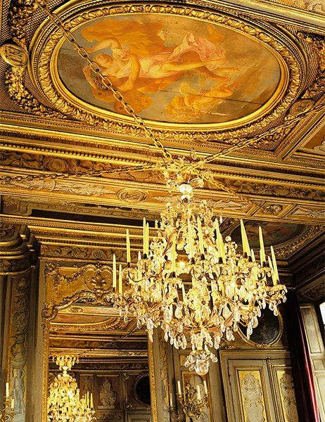 The Most Expensive Antique Chandeliers Sold At Auction Antique Chandelier Chandelier Antiques