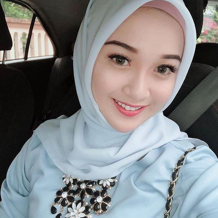 Selamat Siang Gadiscantik Selfie Barbiemuslimah Hijabers Hijabersindonesia Hijab Cantik Indonesia Kekini Hijab Chic Gaya Hijab Busana Islami