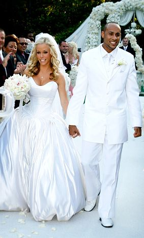 Kendra Wilkinson Baskett\'s wedding dress designed by herself ...