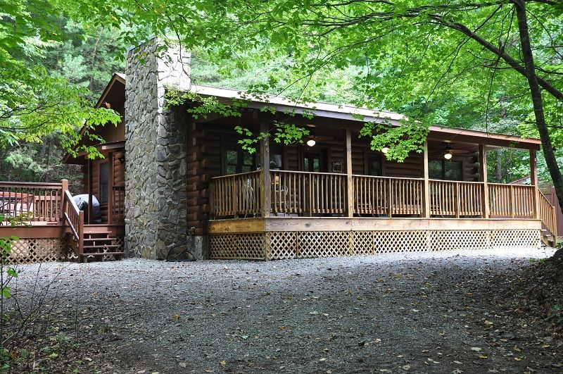 Shady Grove Cabin In Whittier Nc Just Outside Of Cherokee Nc North Carolina Cabin Rentals Bryson City Cabins Vacation