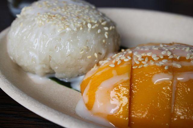 Sticky coconut rice & mango. Sweet stuff at SkyIce Sweet & Savory, Park Slope #Brooklyn