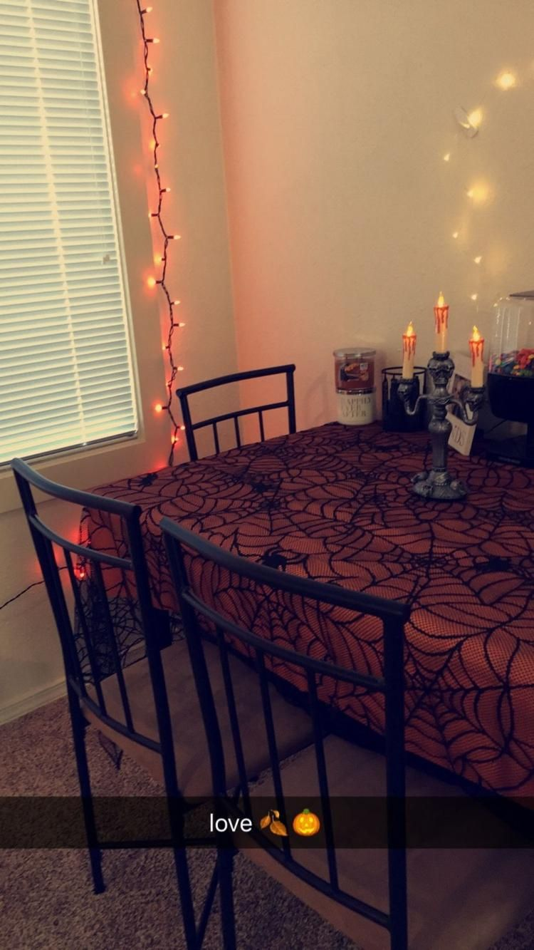 apartment decorating halloween