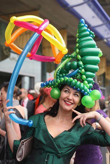 Original sombrero y sombrilla de globoflexia.  globoflexia  globos  tienda.  Ascot Hats from horse races in England Royal Ascot Ladies Day cb7c5357fe7