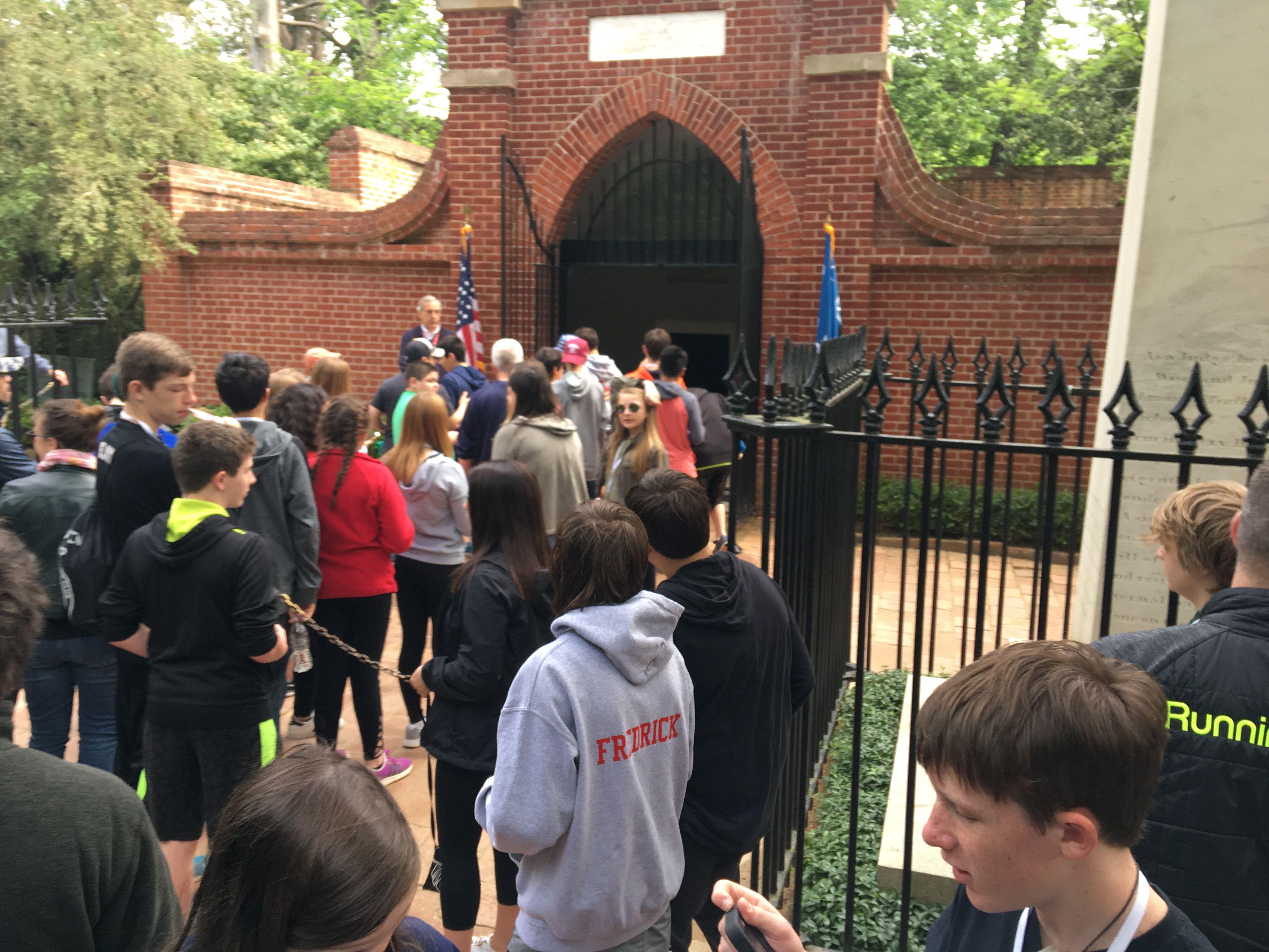 Thomas Jefferson\'s grave on mount Vermont | Washington DC day 4 ...