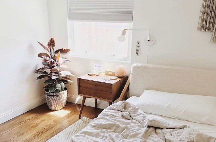 How To Decorate With A Himalayan Pink Salt Lamp Bedroom Interior