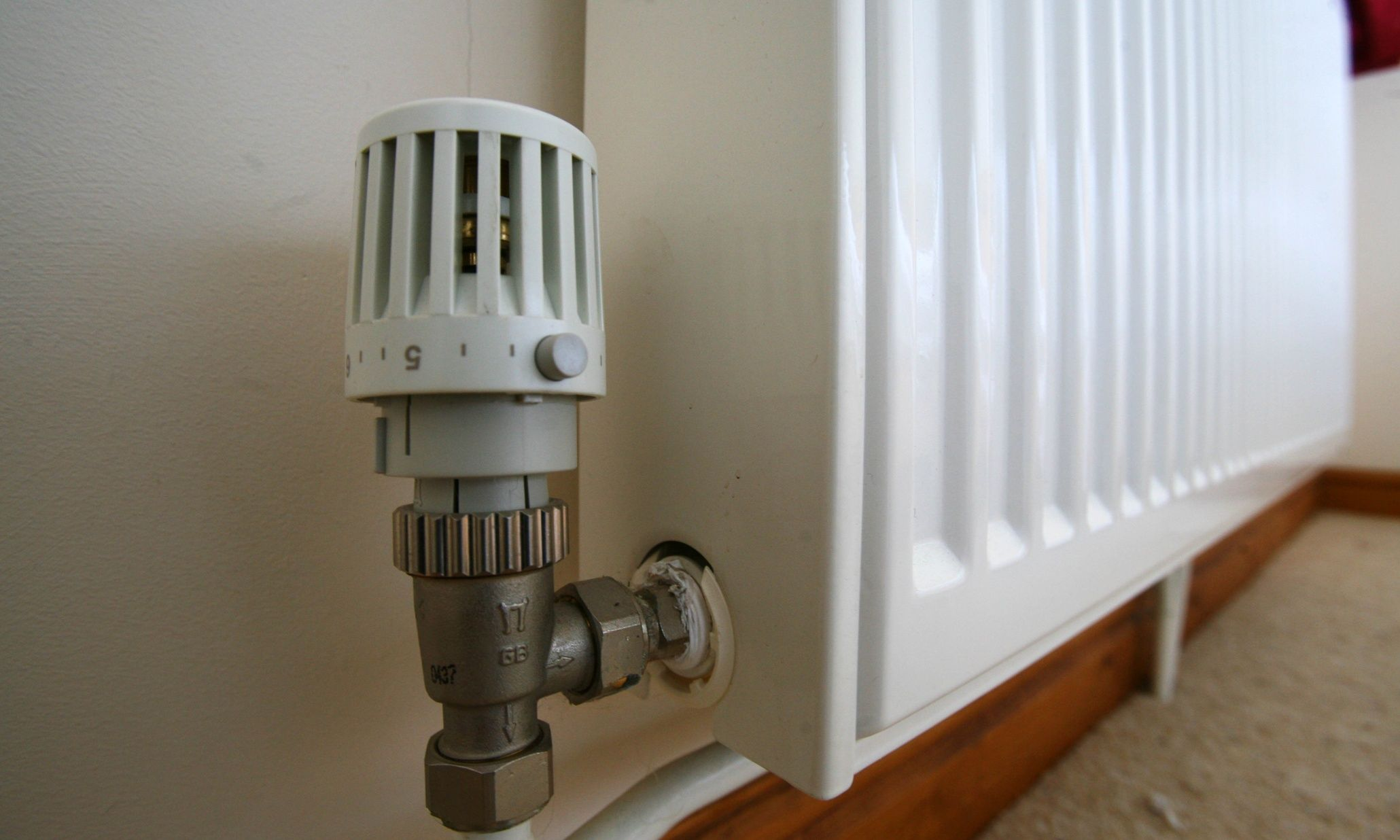 Hive Turns Up Central Heating Control With Smartphone App For Thermostats Central Heating Social Housing Heat Energy