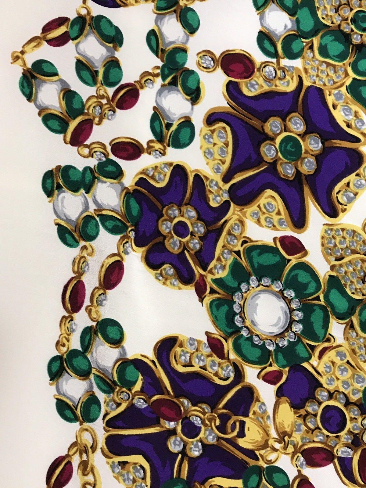 1c0ba1aa85dc CHANEL Tuch Seide foulard scarf Stola stole silk soie carre geant Jewels  Schmuck   eBay